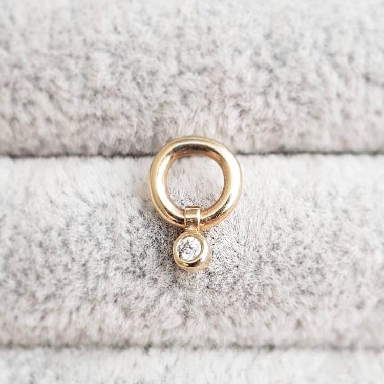 Single Decadence Small Circle Stud Charm Diamond Stud