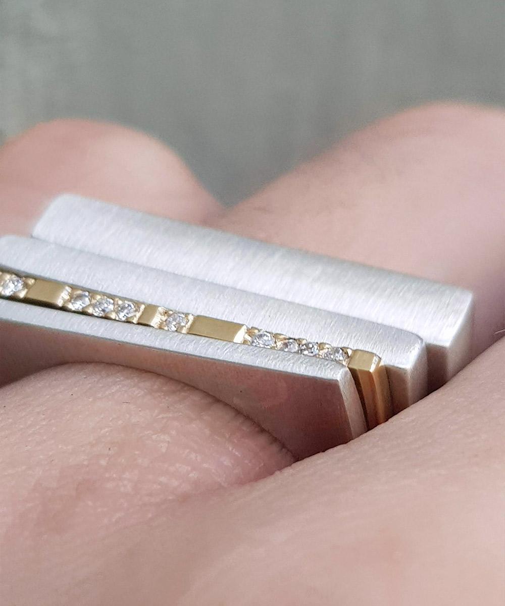 yellow-gold-gold-minimal-geometric-diamond-ring-chloe-solomon-clifton-rocks