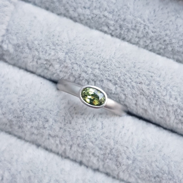 flat court oval green sapphire platinum ring jacks turner clifton rocks bristol