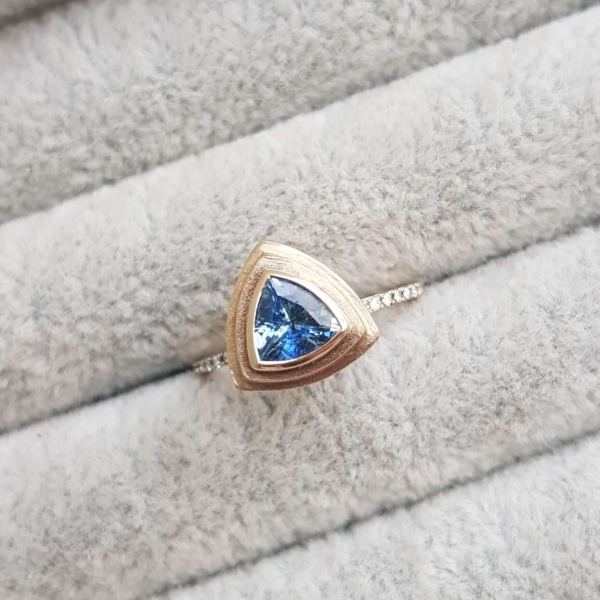 trillion-sapphire-yellow-gold-engagement-ring-diamond-Ching-Chin-Jewellery-Clifton-Rocks-Jewellery-Bristol-9