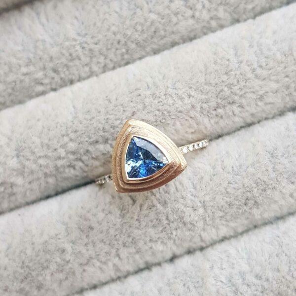 trillion-sapphire-yellow-gold-engagement-ring-diamond-Ching-Chin-Jewellery-Clifton-Rocks-Jewellery-Bristol-9